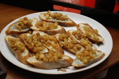 Blue Cheese & Apple Crostini courtesy of Eva